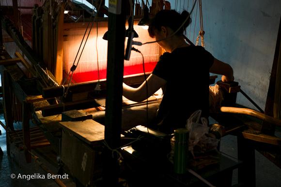 Brocade weaving in China